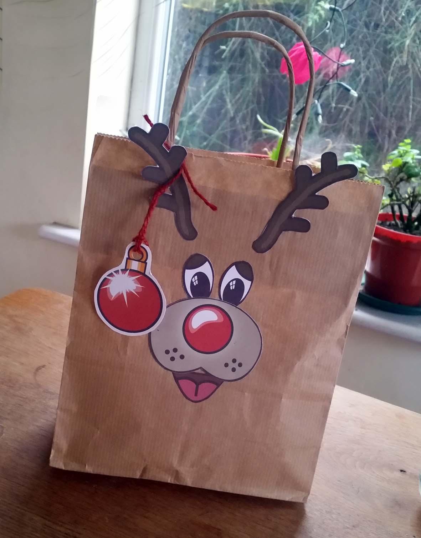 reindeer-giftwrap-bag
