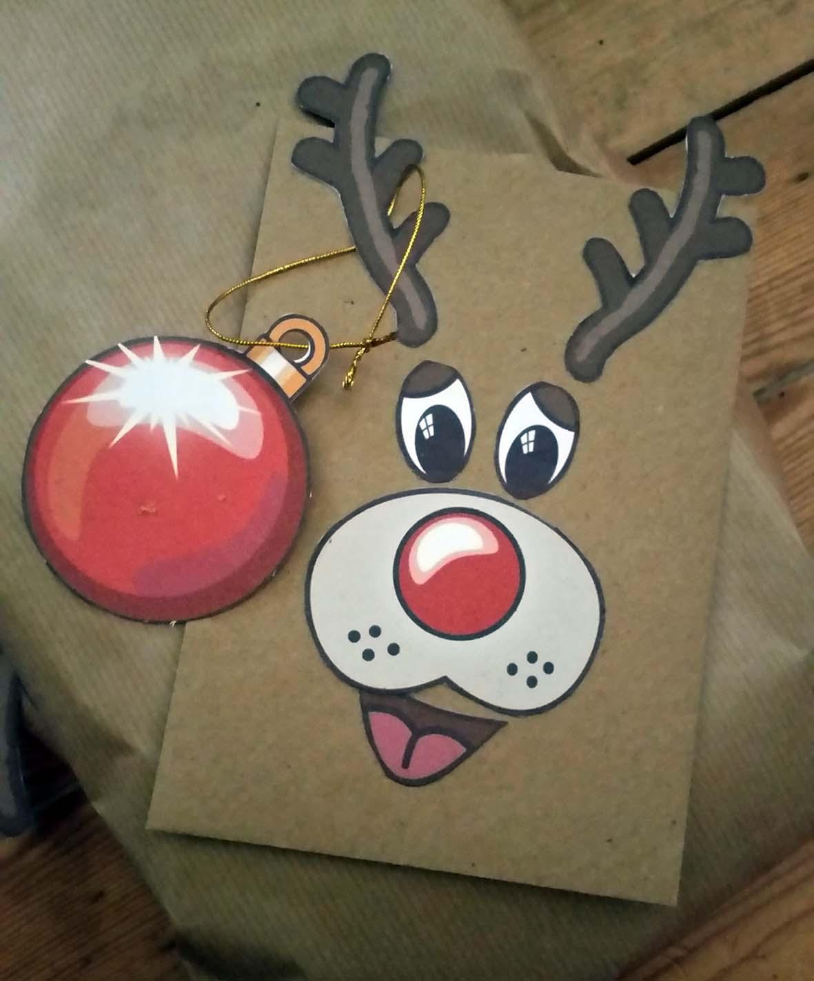 reindeer-giftwrap-env