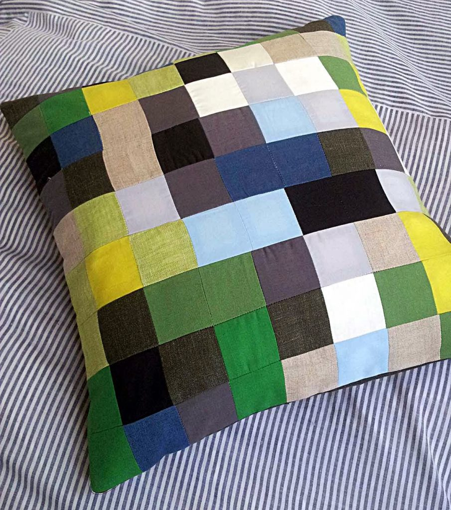 digital patchwork,modern patchwork cushion, pixel patchwork, pixelated cushion, pixel cushion, pixel stashbuster