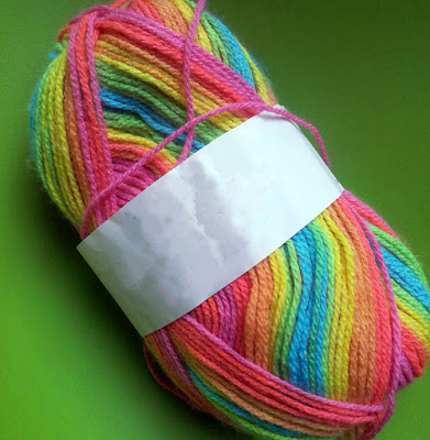 rainbow yarn ideas, ombre yarn, space-dyed knitting wool
